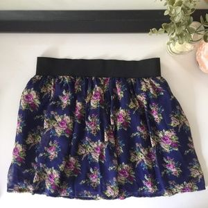 Charlotte Russe || Romantic Skirt sz M